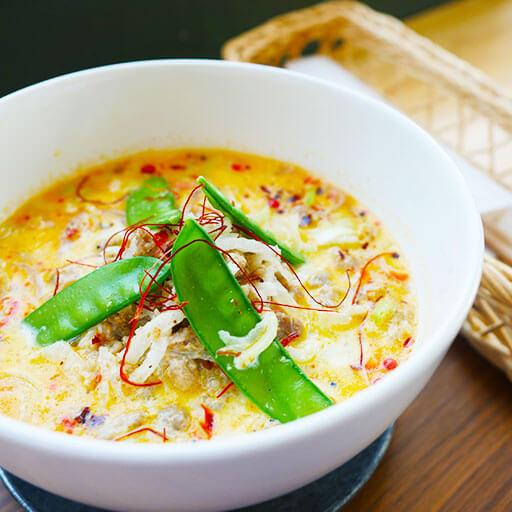 玄米・白米麺の坦々麺
