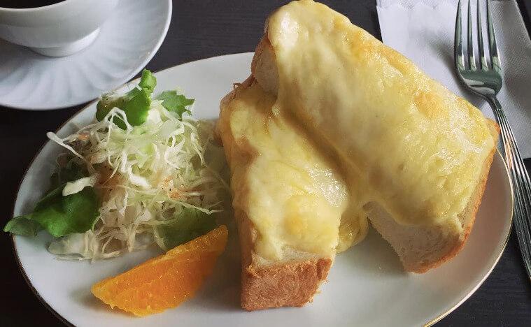 松江城にある興雲閣の亀田山喫茶室のモーニング
