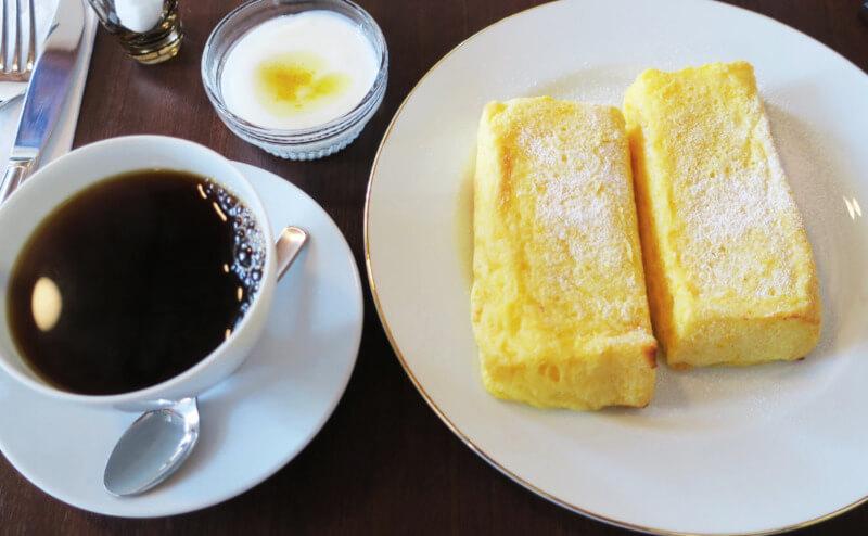 松江城の興雲閣にある亀田山喫茶室のモーニング