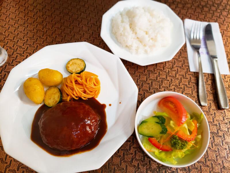松江市にある西洋軒のハンバーグステーキ