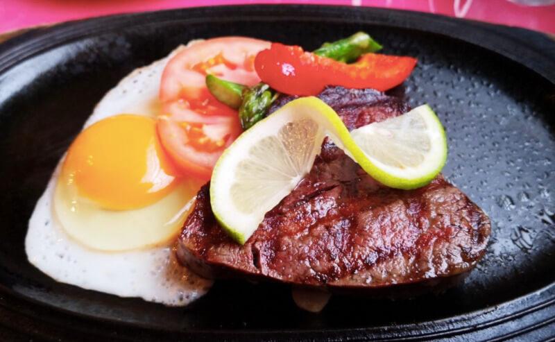 松江市にあるミスタービーフのステーキ
