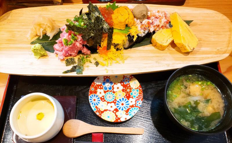 寿司ダイニングAYAMACHIののっけ寿司
