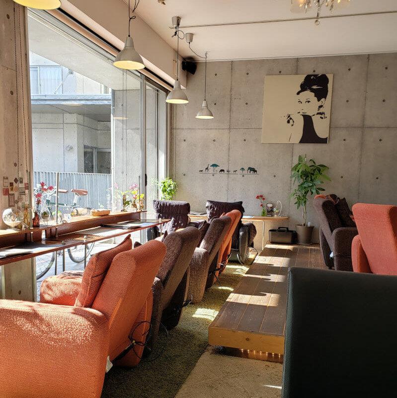 松江市寺町にあるcafe&baeFrancの店内