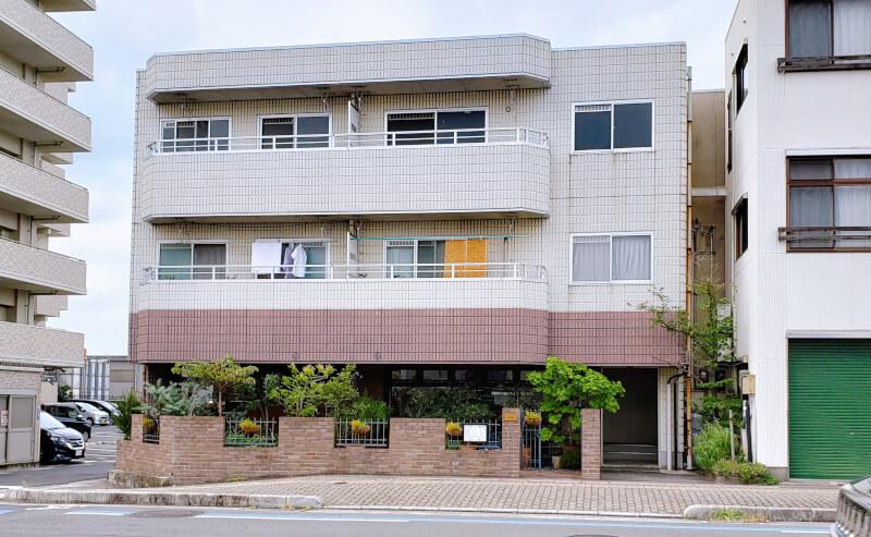 松江市にあるフランス料理店レストランハラの外観