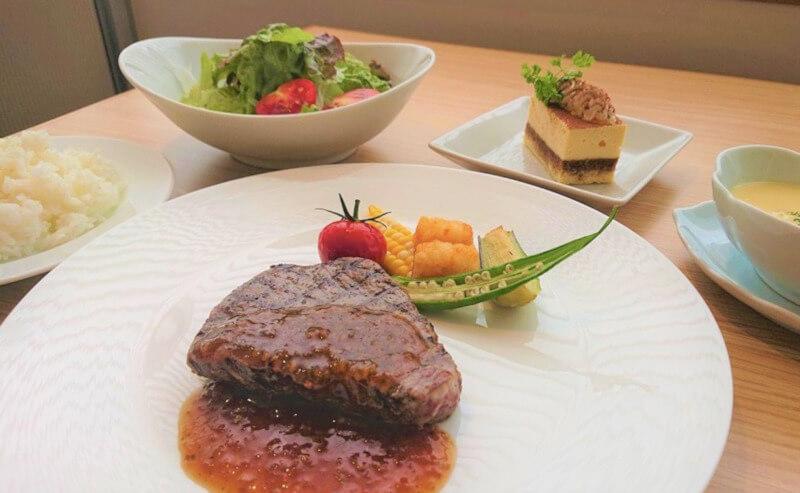 松江エクセルホテル東急のレストランモソロのランチ
