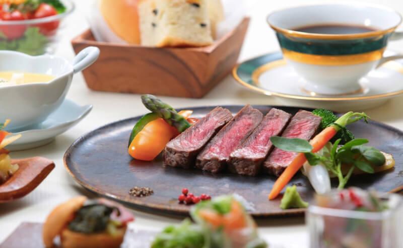 松江エクセルホテル東急のレストランモソロのステーキ