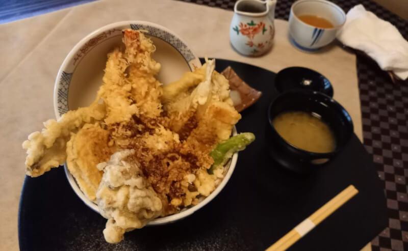 松江市殿町にある蓬莱吉日庵の天丼
