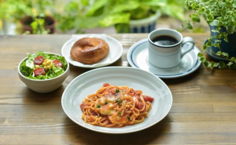 松江市学園にあるカフェリラックスのランチのパスタ