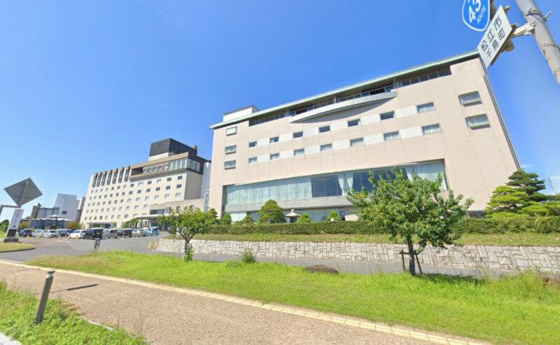 松江市千鳥町にあるホテル一畑内のレストランカメーリアの外観