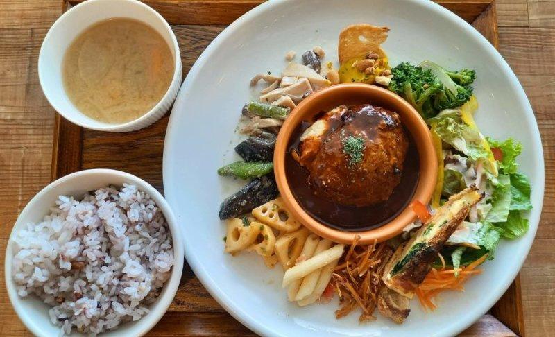 松江市西川津町にある食堂晴れのランチ