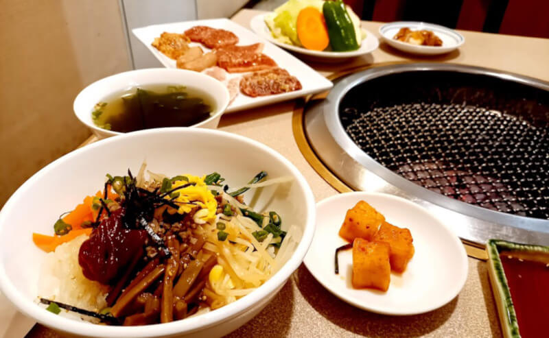 松江市朝日町にある食道楽のレディースランチ