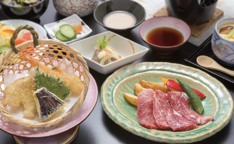 松江市田和山にある四季庵のステーキ御膳