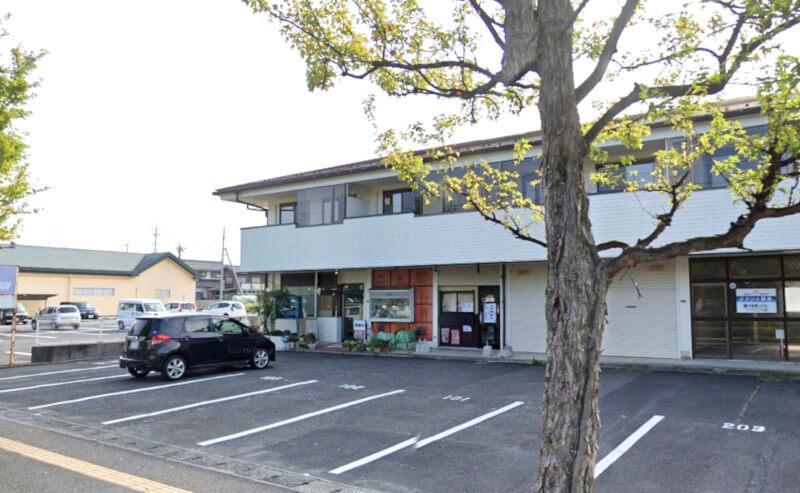 松江市浜乃木にあるカフェレスト飛翔の外観