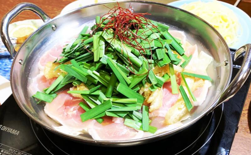 松江市東本町にあるかどやの鶏鍋