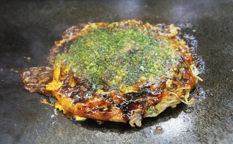 松江市東朝日町にあるお好み焼きてっちゃんのお好み焼き